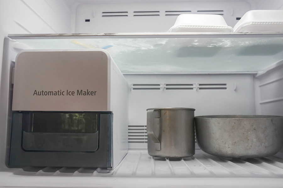 bigstock-automatic-ice-maker-function-i-350878754